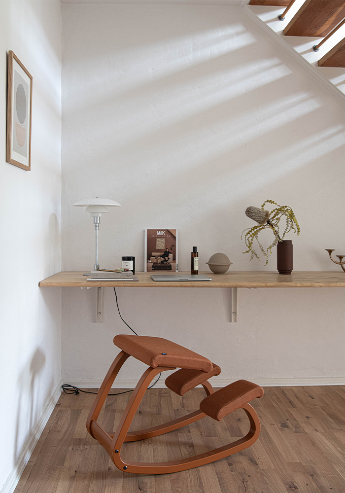 Variable Monochrome in oxide by workspace and desk in home office